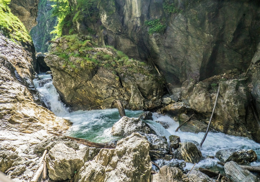 waterfall-410710_1920
